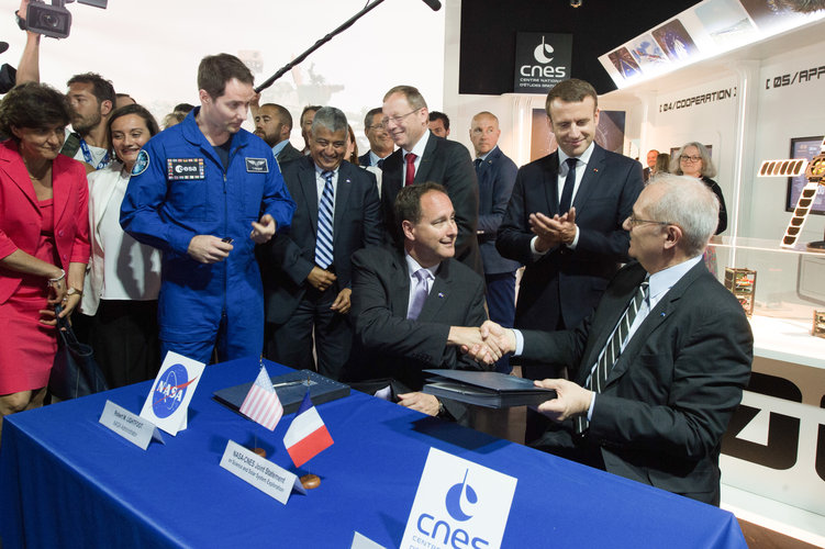 NASA and CNES express Commitment to Joint Exploration