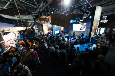 Public at the ESA Pavilion