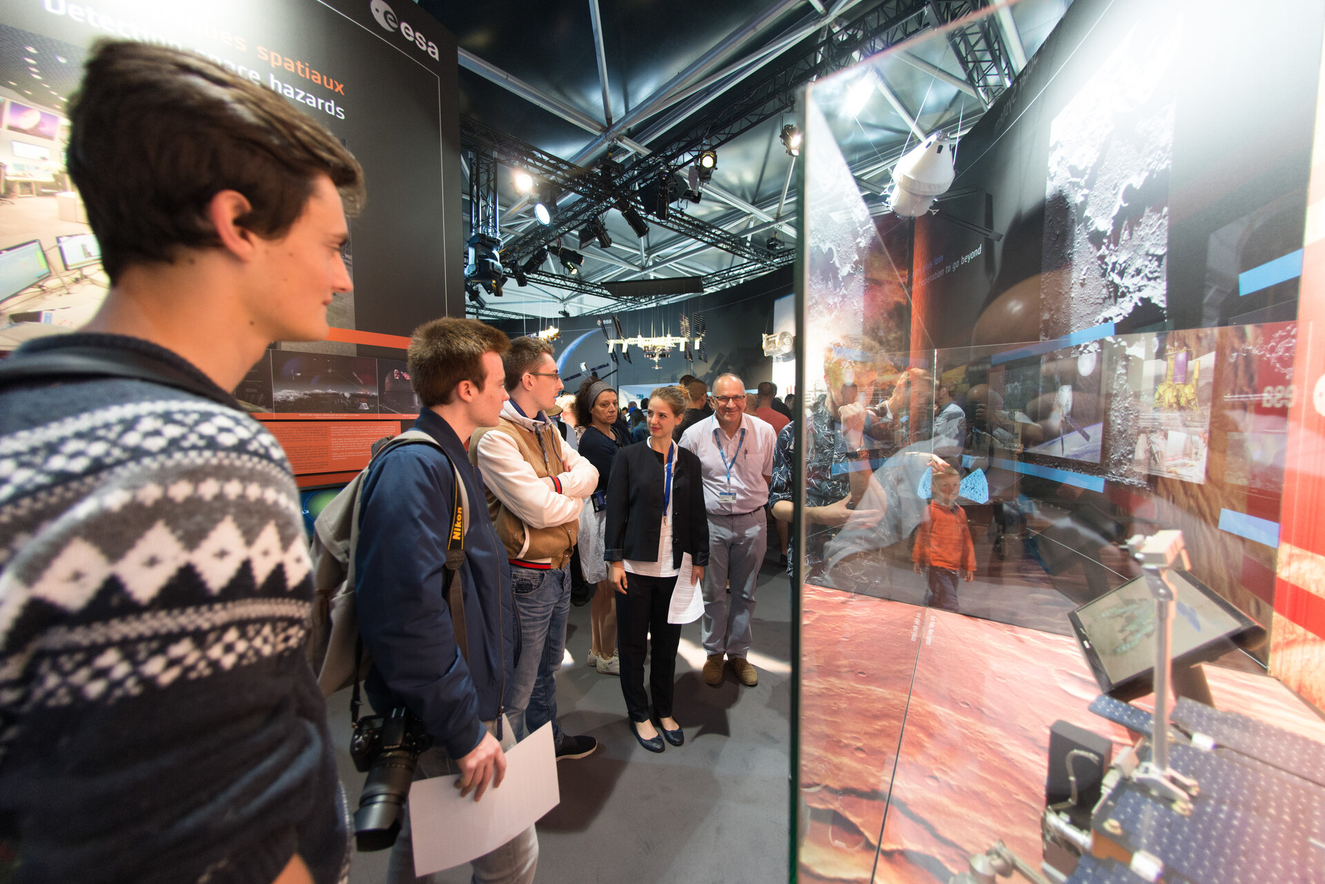 Public at the ESA Pavilion, Paris Air and Space Show