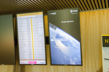 Space for Europe screen at Schiphol