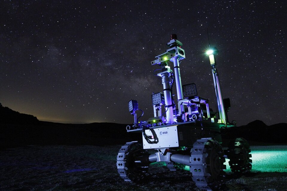 Rover testing by night