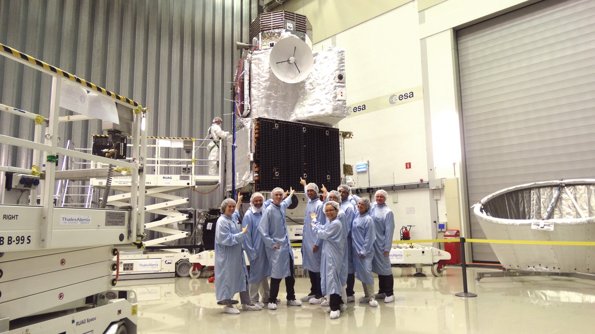 Flight controllers meet BepiColombo for the first time
