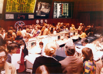 Crowds during ESOC's first public day 1974