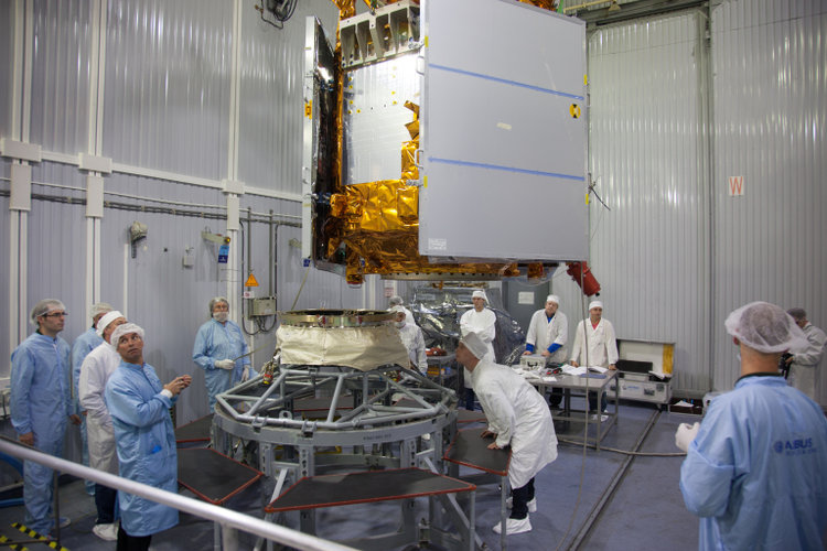 Sentinel-5P joins launch adapter