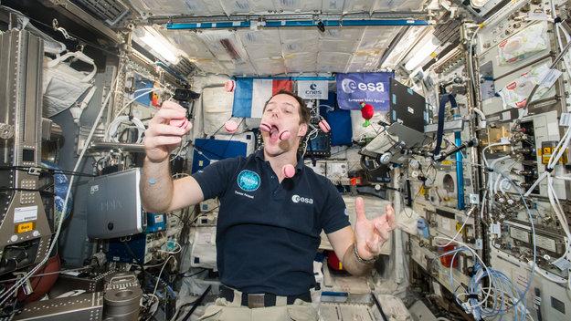 Diet tracker in space
