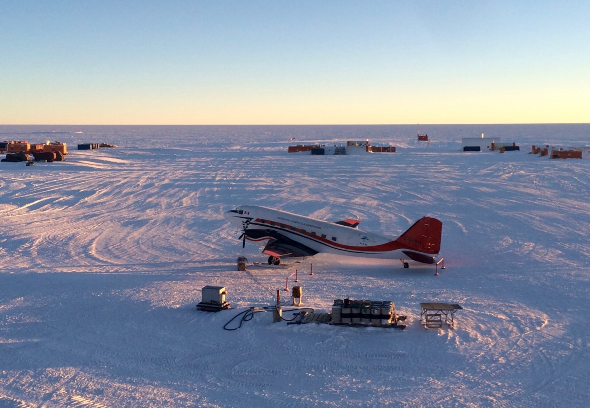 Antarctic air transport