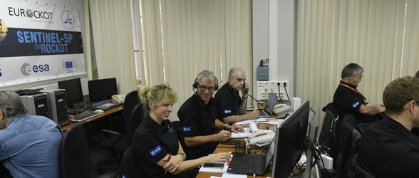 Plesetsk Mission Control Center during final countdown for Sentinel-5P liftoff