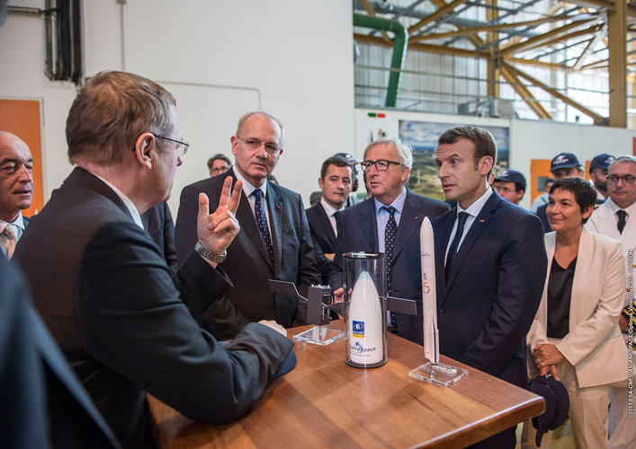 Macron and Juncker visit Europe's Spaceport