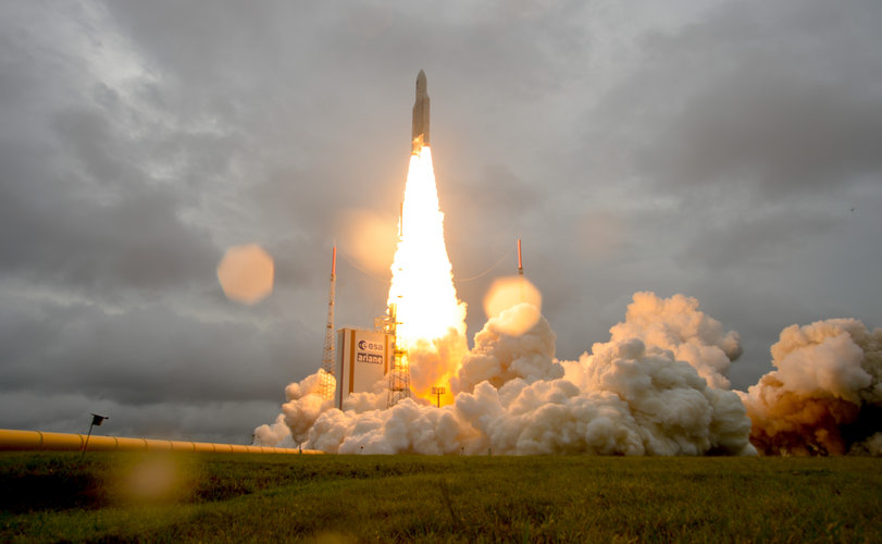Galileo lifts off
