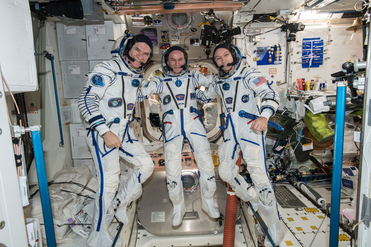 Soyuz MS-05 crew in Sokol suits