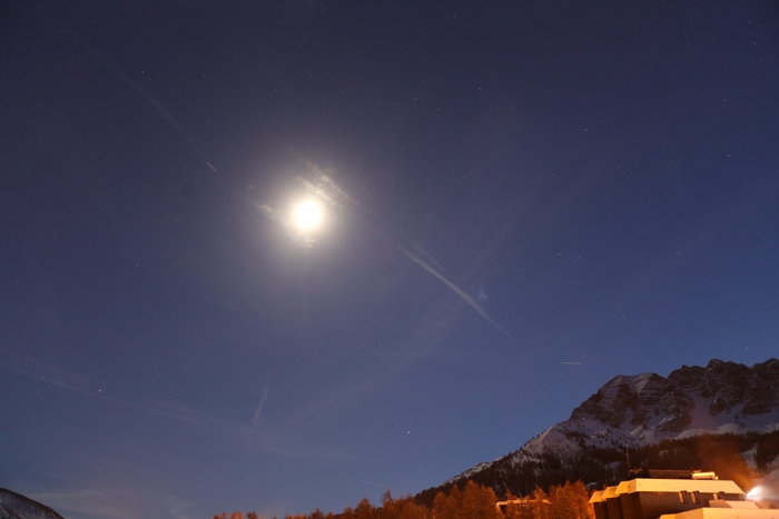 A faint white streak shows Chinese space station Tiangong-1, photographed by French astrophotographer Alain Filger 27 November 2017 from a ski area in the south-east France near dusk