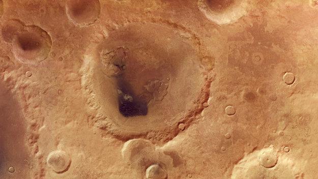 Neukum_Crater_large.jpg