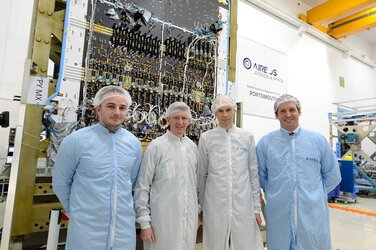 Tim Peake visits Quantum satellite