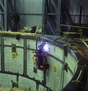 Welding ESTEC's new Dynamic Test Chamber in 1975
