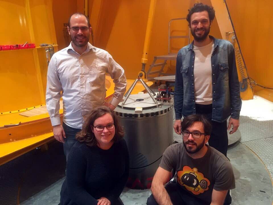 Drop Your Thesis! 2017 GrapheneX team with their capsule ready to be catapulted