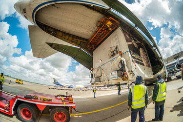 Loading the Antonov