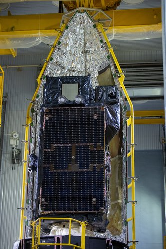 Sentinel-3B a tight fit in the fairing half shell