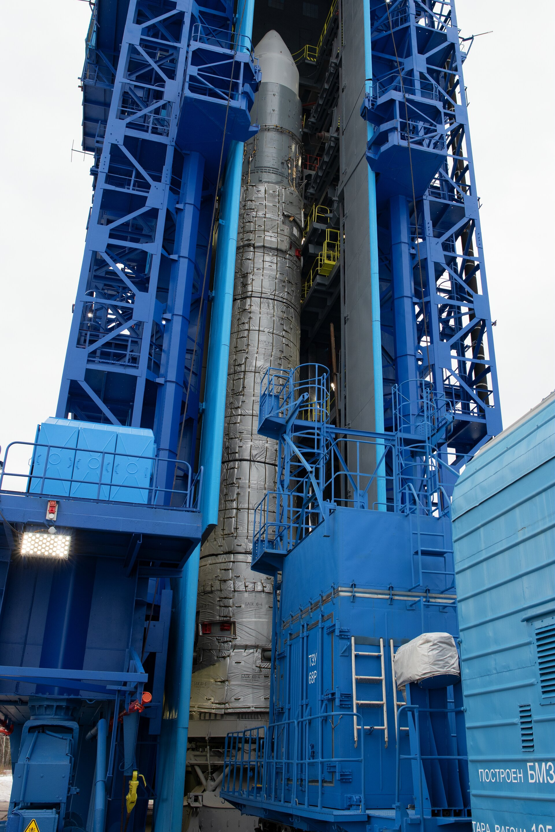 Sentinel-3B rocket in the launch tower