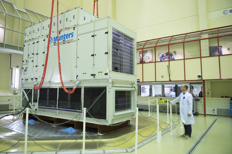 Shaker test of 8-tonne cooling system