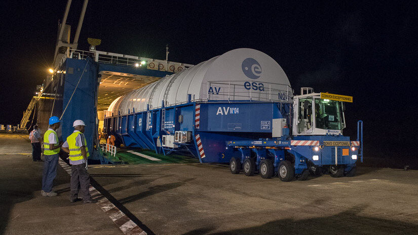 Ariane stage arriving