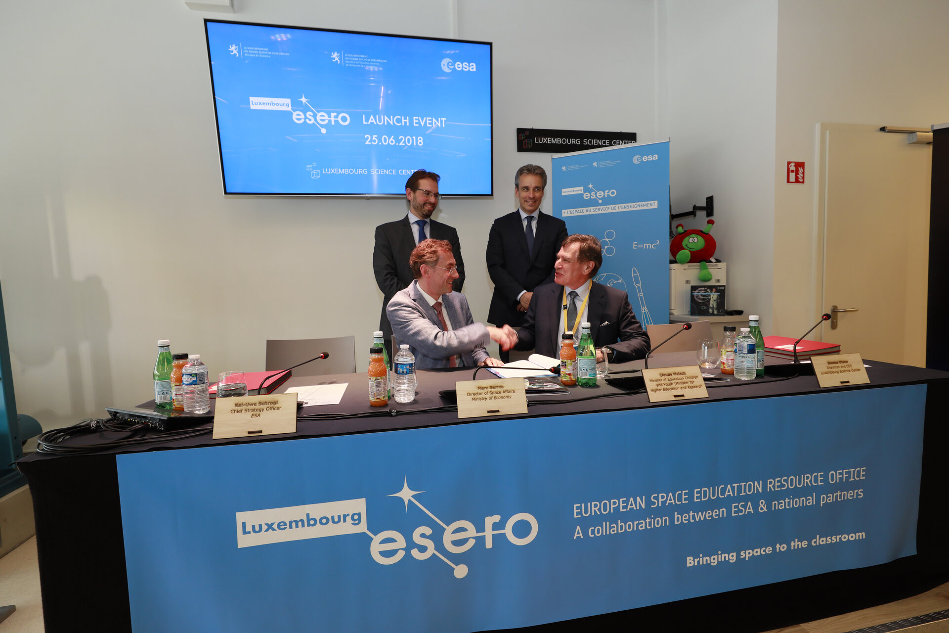 ESERO Luxembourg contract signature