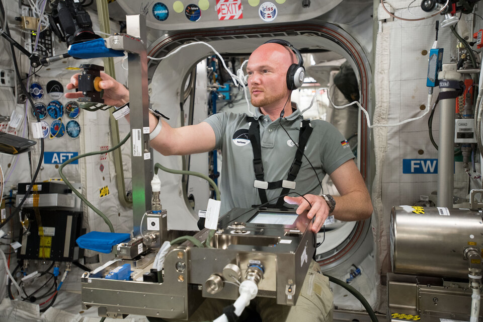 Alexander running experiment on the Space Station