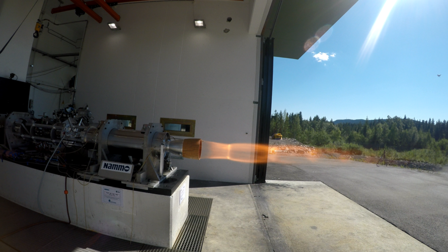Hybrid rocket motor static firing
