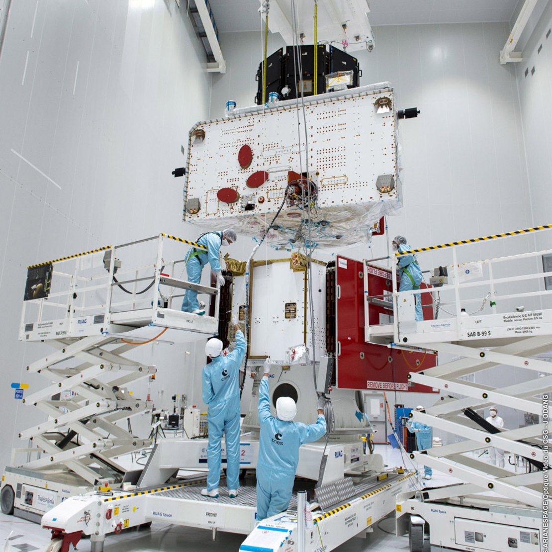 http://m.esa.int/var/esa/storage/images/esa_multimedia/images/2018/08/bepicolombo_stack_fit_check/17668877-1-eng-GB/BepiColombo_stack_fit_check_article_mob.jpg