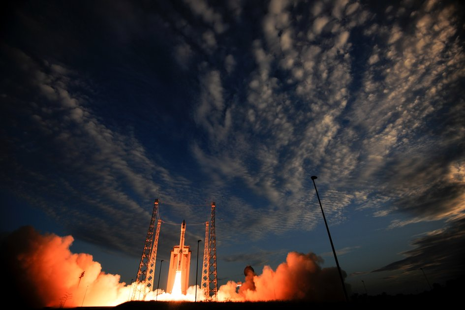Wind-mapping satellite heads for orbit