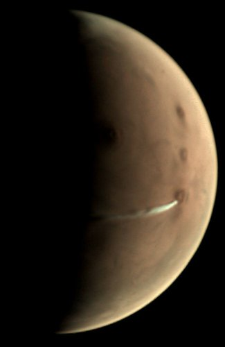 Elongated cloud on Mars