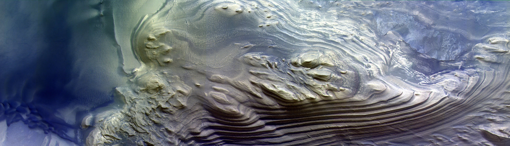 Layered mound in Juventae Chasma