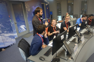 ESA System Engineer advising ESEC students