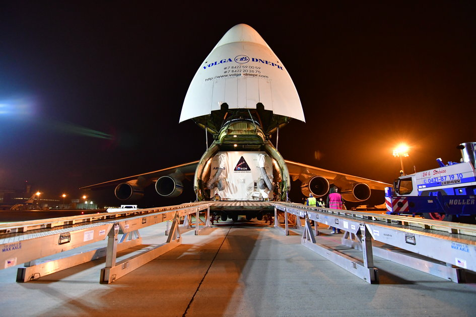 Orion ESM shipment in Antonov aircraft
