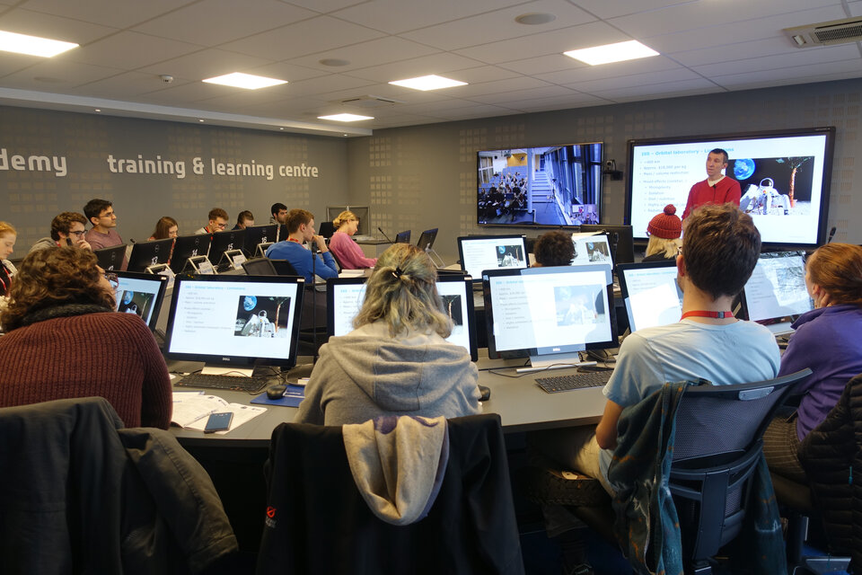 Students taking part in the Human Space Physiology training course in 2018