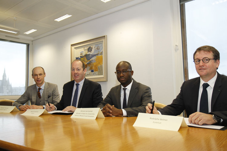 UK BEIS, Airbus and Eutelsat at HOTBIRD signing