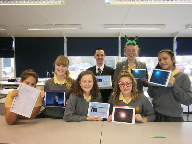 Students analysing Comet 46P