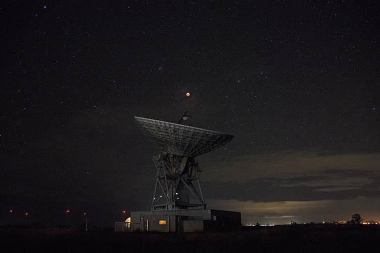 Lunar eclipse above Goonhilly
