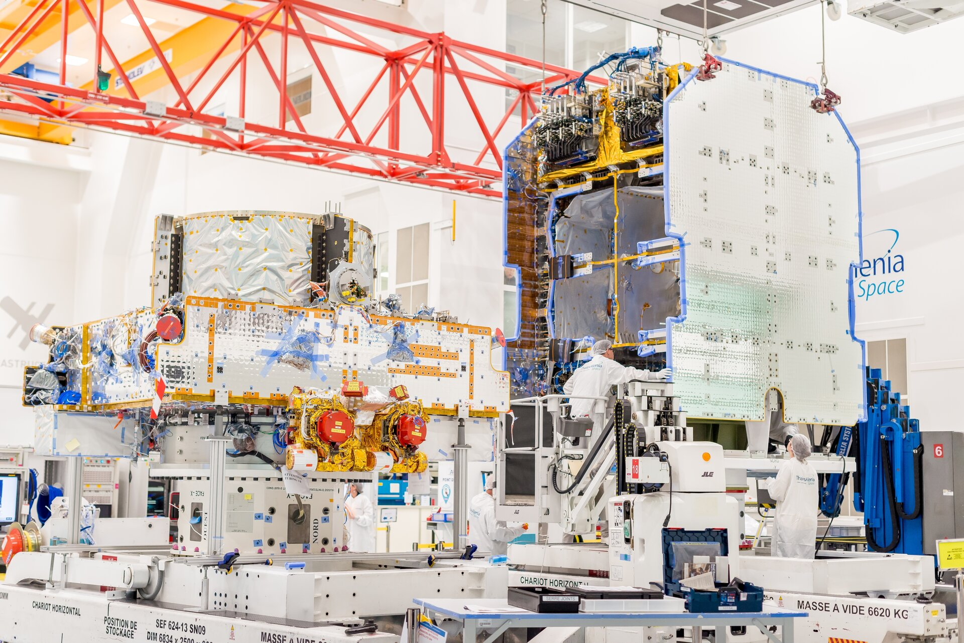 First Spacebus Neo payload and service module side-by-side, before mating