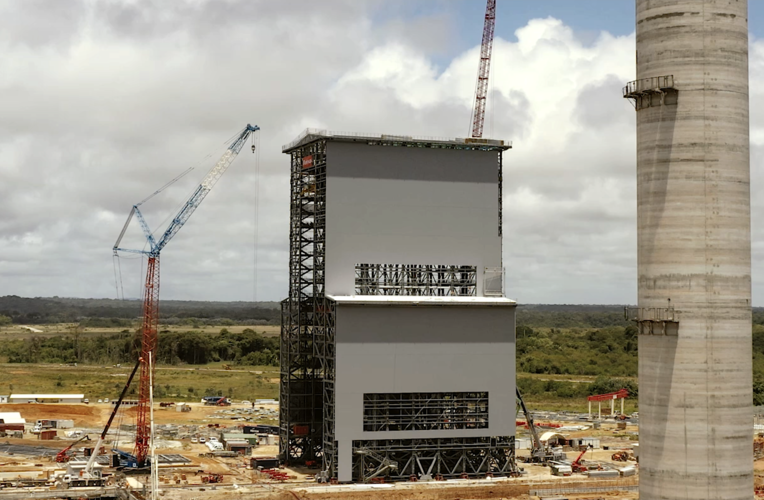 Mobile gantry for Ariane 6 under construction