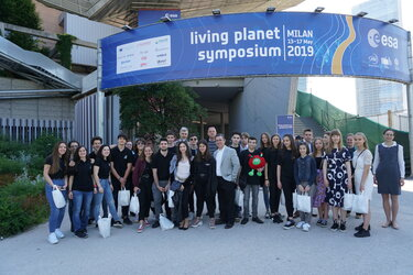 Climate Detectives teams at the entrance of the LPS 2019 in Milan, Italy