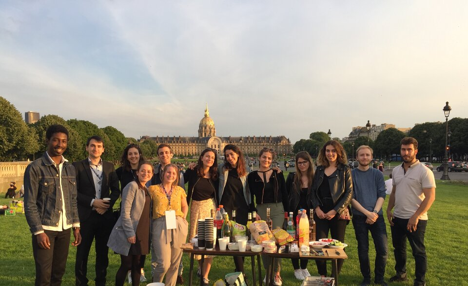 Scavenger Hunt Meeting point at Invalides