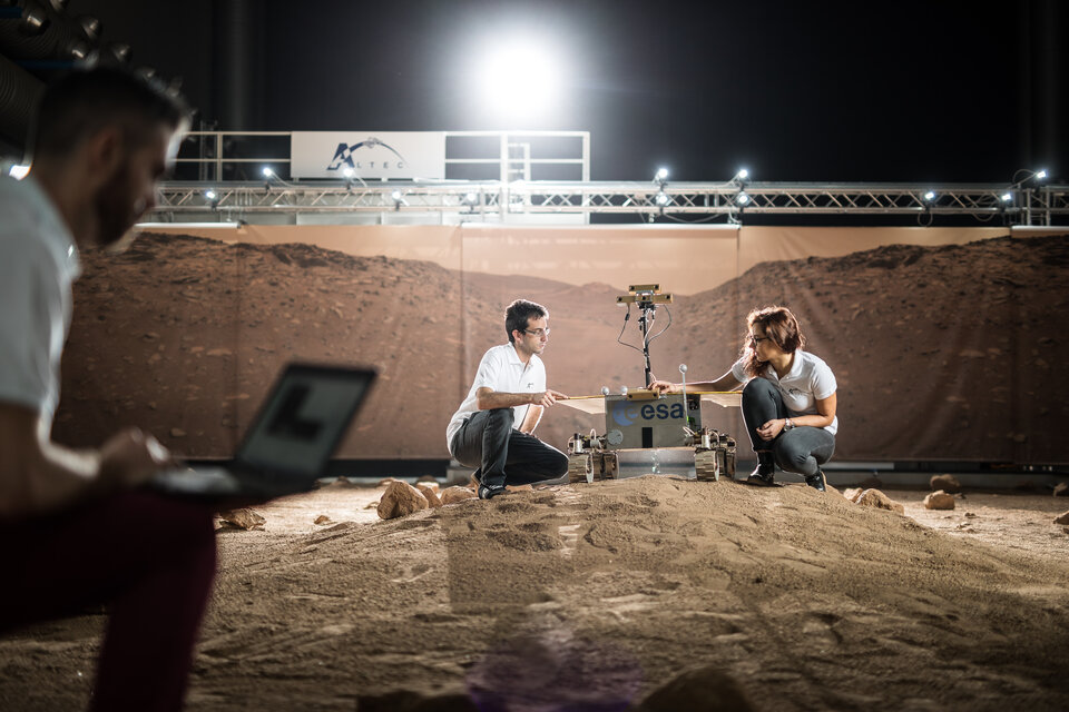 Testing operations in the Mars yard
