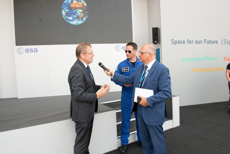 Interview with ESA Director General Jan Wörner and ESA astronaut Thomas Pesquet