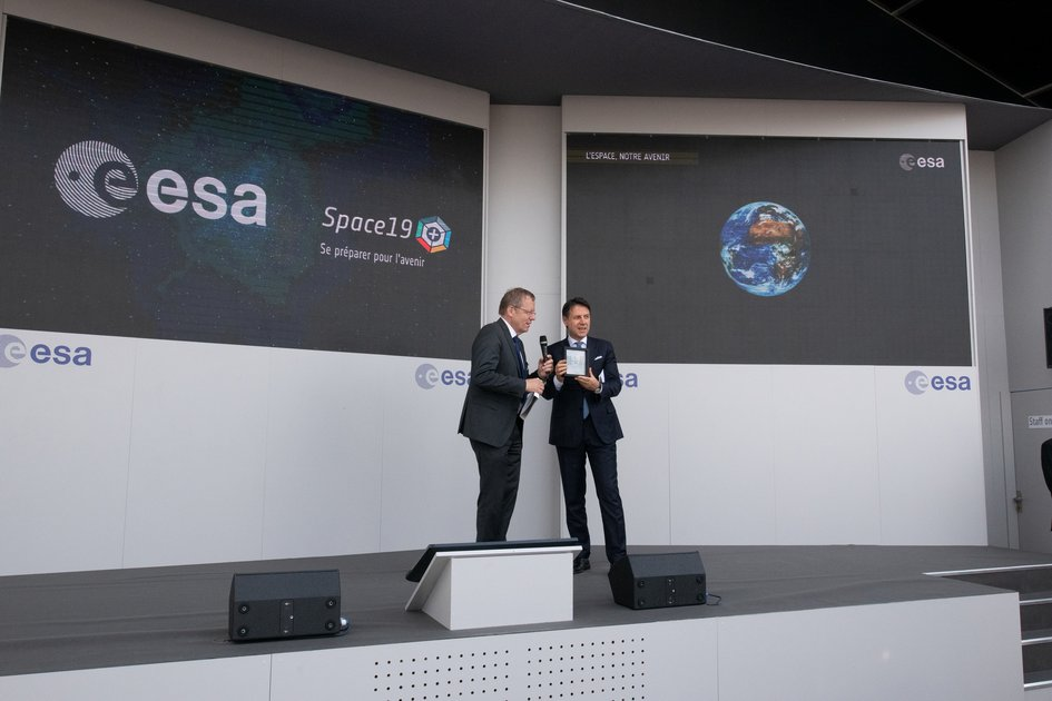 Italian Prime Minister Giuseppe Conte visits the ESA stand