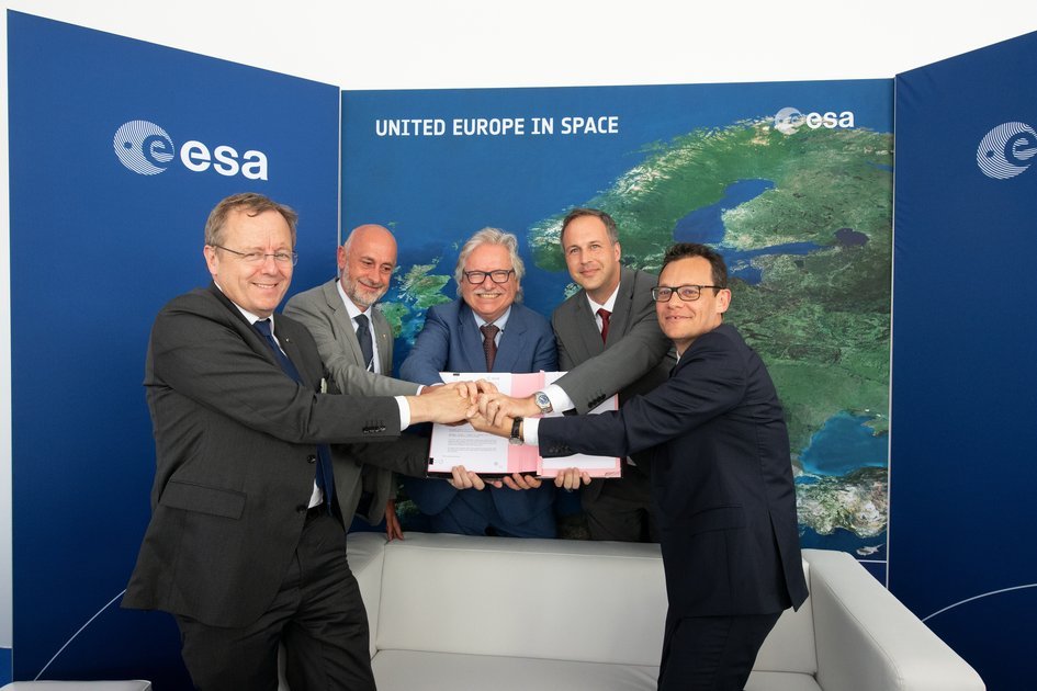 JUICE launcher contract signed at Le Bourget