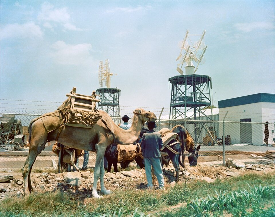 Transporting antennas with camels from the lighthouse to new location