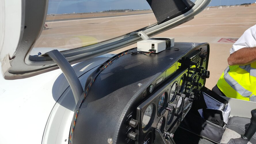 SkyLiberty device aboard Diamond DA40 light aircraft