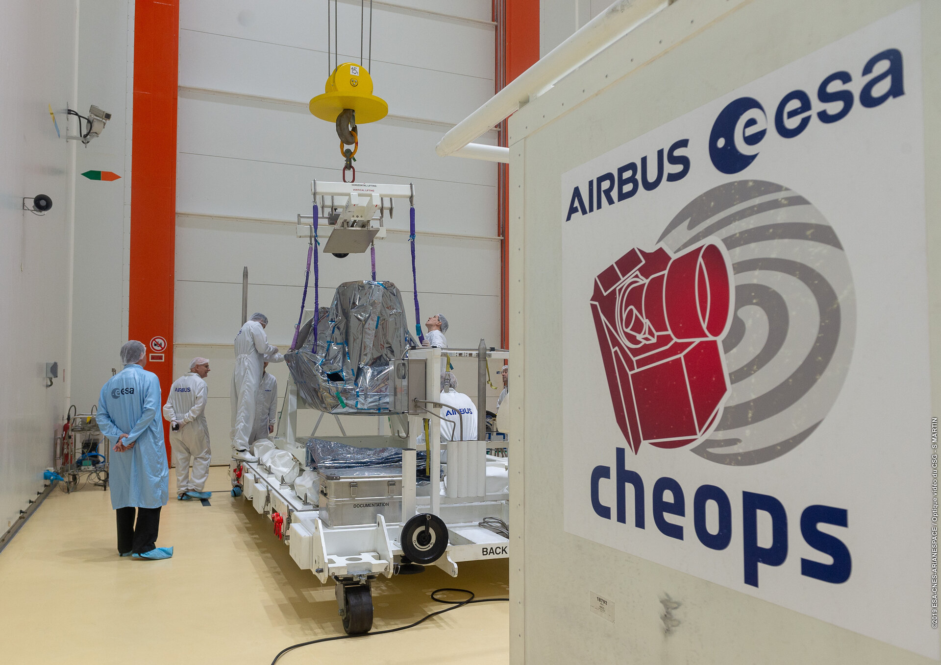 Cheops installation on tilting trolley