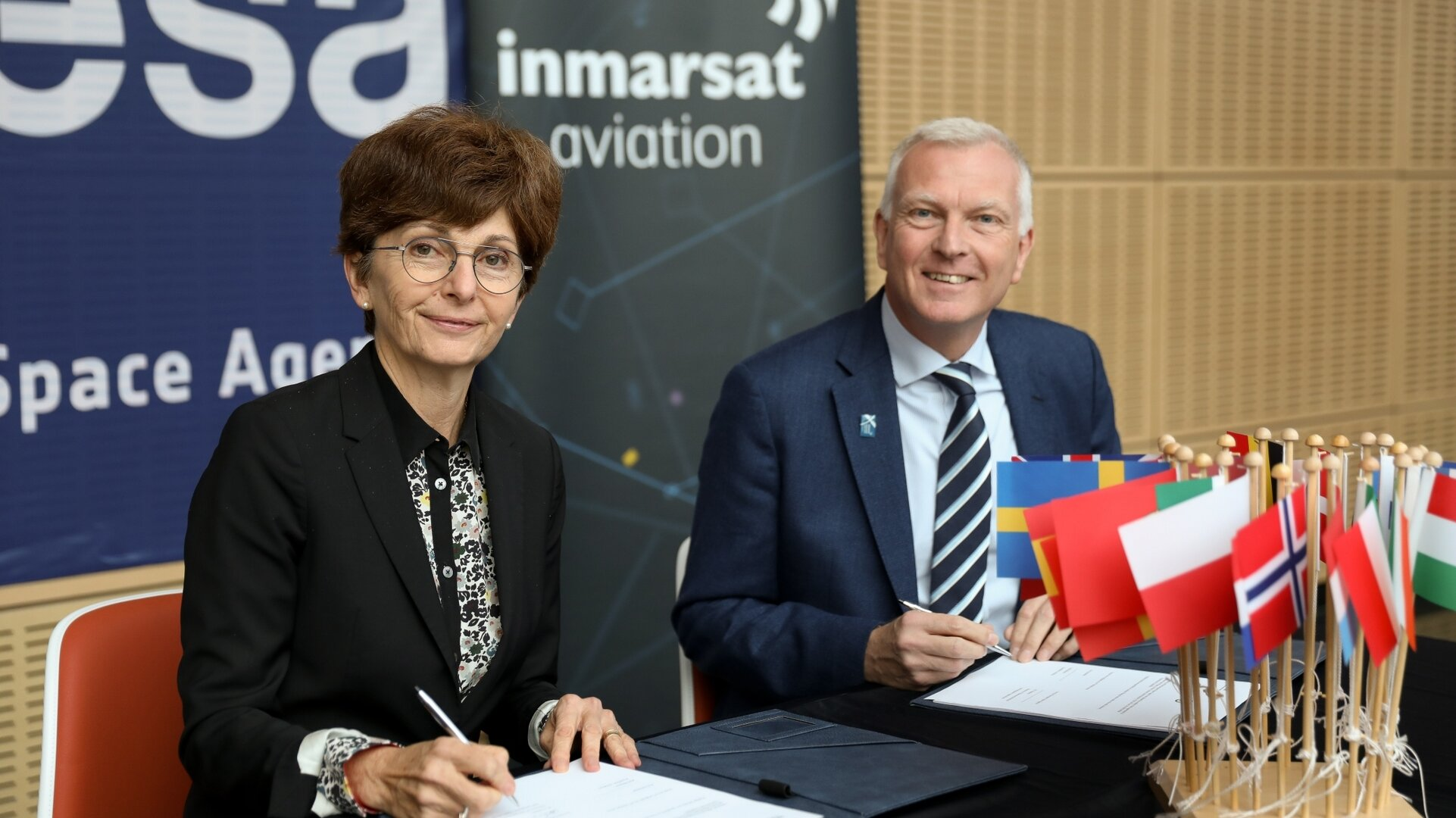 Magali Vaissiere, Director of Telecommunications and Integrated Applications at ESA, and Phil Balaam, President of Inmarsat Aviation