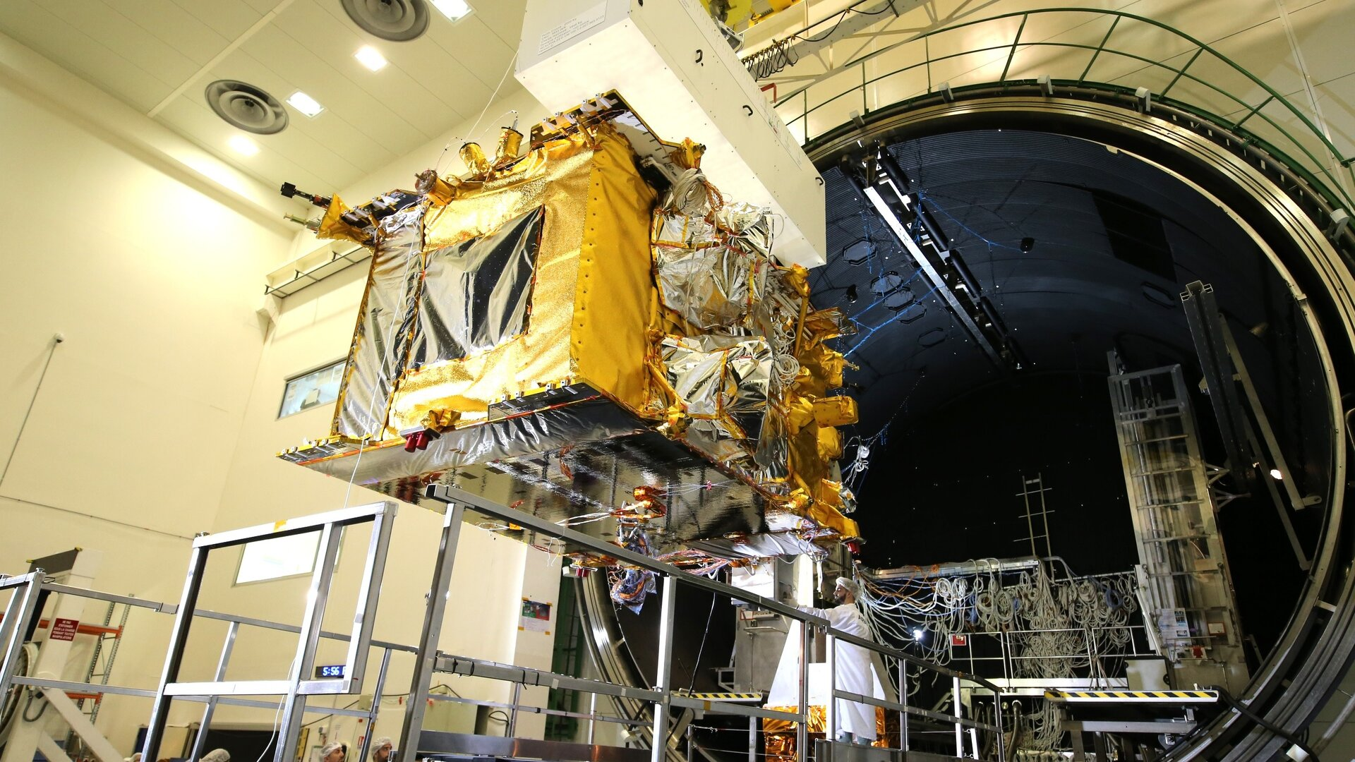 The Quantum spacecraft has been successfully tested in the thermal vacuum facility at Airbus in Toulouse